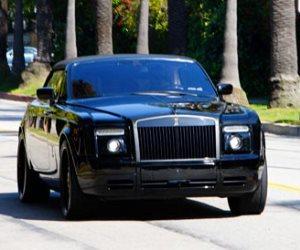 عرض سيارة دافيد بيكهام للبيع فى المزاد