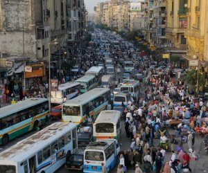 الشوارع زحمة خللي بالك.. تعرف على النشرة المرورية في القاهرة والجيزة