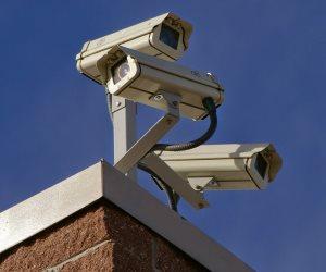 نائب يطالب بإصدار قانون لتركيب «كاميرات مراقبة» على المنشآت العامة