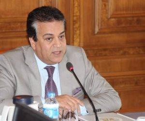وزيرا التعليم العالي والهجرة يقدمان واجب العزاء بالكنسية المرقسية بالأسكندرية