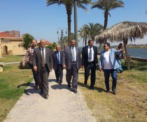 محافظ المنيا يبحث مع وفد «الري» أعمال حملة إزالة التعديات على النيل