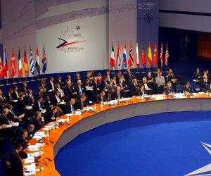"""أمين عام """"الناتو"""" يحذر من اندلاع حرب باردة مع روسيا"""