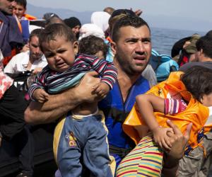 600 مهاجر عالقين فى البحر ترفضهم إيطاليا.. يعيدون تذكير العالم بمصير اللاجئين