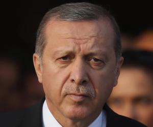 أردوغان يؤجل تنفيذ مشروعات كبرى.. هكذا ركع الرئيس التركي أمام الأزمة الاقتصادية