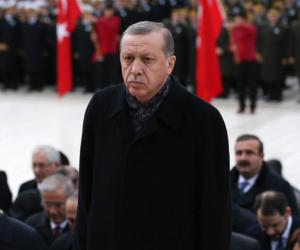 شاهد.. مليشيات أردوغان تعتدي على رافضي نتائج «استفتاء الاستبداد» (فيديو)