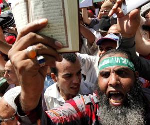ماذا لو لم تقم ثورة 30 يونيو؟.. 6 مستنقعات كانت تهدد مصر أبرزها الفاشية الدينية