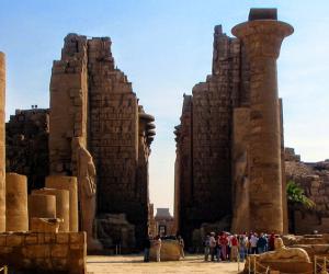 """هنا سحر الشرق..""""تل بسطة"""" ومعبد الكرنك مقصد العاقر والعانس بالجعران المقدس"""