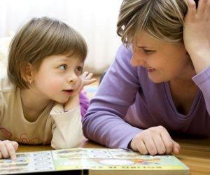 التجارب المؤلمة في مرحلة الطفولة المبكرة تنتقل من الأم إلى ابنتها