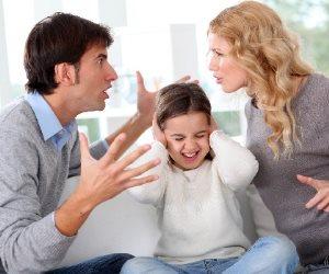 دراسة: انفصال الأبوين أكثر صعوبة ومشقة على الفتيات