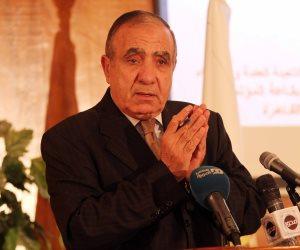 وزير التنمية المحلية عن محافظ المنوفية: فى ناس ربنا مديهم وعايزين تاني