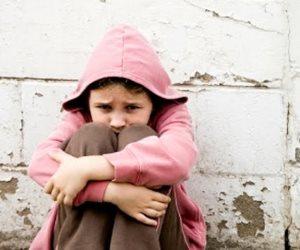 10 طرق للسيطرة علي خوف طفلك .. قراءة القصص والكلمات المطمئنة