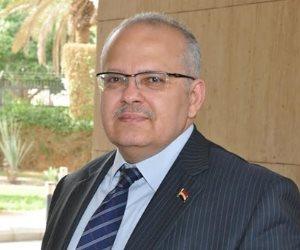 رئيس جامعة القاهرة مهنئا الأقباط: نور الله يشرق على الجميع