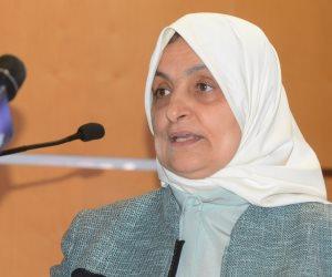 وزيرة العمل الكويتية تغادر القاهرة