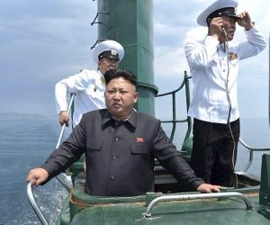 هل يخاف كيم من غدر ترامب؟.. سر شبيه زعيم كوريا وتغيير طائرته لمسارها (صور)