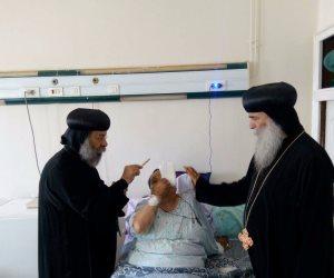 الأنبا بيمن ورافائيل يزوران مصابي حادث تفجير كنيسة طنطا (صور)