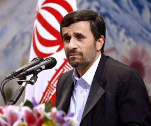 الاستفتاء الشعبي مطلوب.. هل يحبط نجادي محاولة طهران لغسيل أموالها من «تمويل الإرهاب»؟