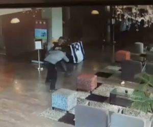 شاهد عملية طعن الـ4 إسرائيلين في تل أبيب (فيديو)