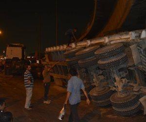 """بسبب انقلاب سيارة.. فتح طريق """"الإسكندرية الزراعى"""" بعد توقفه لمدة ساعة"""