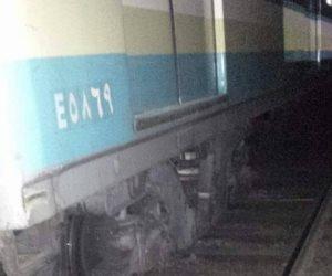 سقوط أحد عربات مترو طرة بين القضبان (صور)