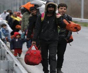 المغرب يستقبل لاجئين سوريين على الحدود مع الجزائر