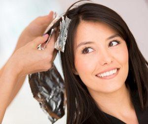 من غير ما تصبغي 3 طرق هتساعدك تتخلصي من الشعر الرمادي