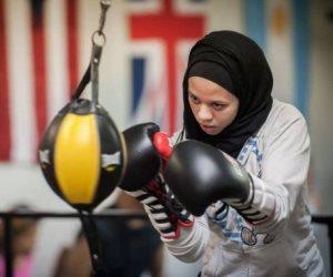 الاتحاد الأمريكي للملاكمة يسمح لمسلمة بارتداء الحجاب في المباريات