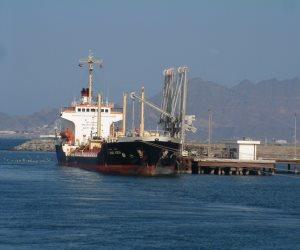 الحكومة اليمنية تطالب بإرسال المساعدات عبر ميناء عدن