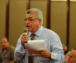 في مؤتمر التعليم.. هاني أباظة: «شبعنا توصيات».. والوزير: «عندك حق»