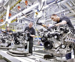 هل تواجه صناعة السيارات أزمة جديدة؟.. تعرف عليها