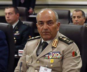 رئيس الأركان يلتقي المبعوث الأممي لدعم ليبيا خلال زيارته إلى مصر