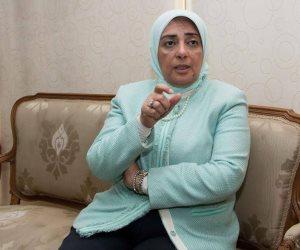 بعدما شرع والدها وشقيقها في قتلها.. الطفولة والأمومة يدعم طفلة بدمياط