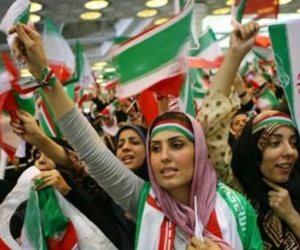 456 ساعة فاصلة تحسم مصير التيار الإصلاحي في «تمثيلية الديمقراطية الإيرانية»