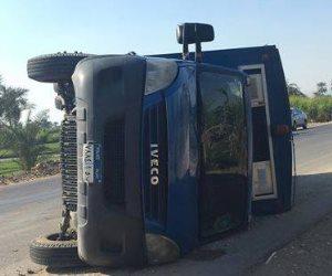 إصابة 8 أشخاص في حادث تصادم سيارة شرطة بأخرى بيجو