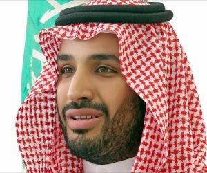 أعلام مصر والسعودية تزين طريق المطار استعدادا لاستقبال محمد بن سلمان (صور)