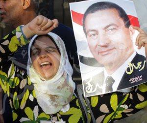 الرئيس البريء والسنوات العجاف.. مبارك من «أفندم أنا موجود إلى اتركوني للتاريخ»