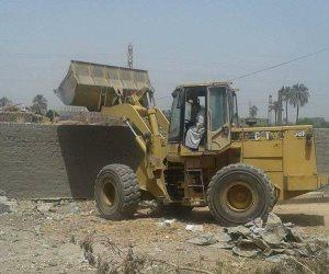 إزالة 15 حالة تعد على الأراضي الزراعية بمساحة 18 قيراطا في حملة مكبرة بسوهاج (صور)