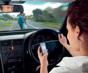 ما هي عقوبة التحدث في الهاتف المحمول أثناء القيادة بقانون المرور؟