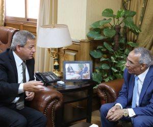 عبد العزيز يبحث مع محافظ شمال سيناء تطوير مراكز شباب وأندية المحافظة