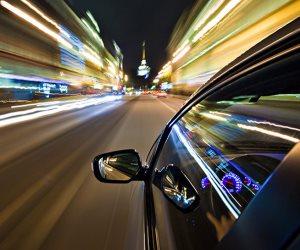 نصائح تقيك وأسرتك الموت.. ماذا تفعل لو انفجر إطار سيارتك على سرعة عالية؟