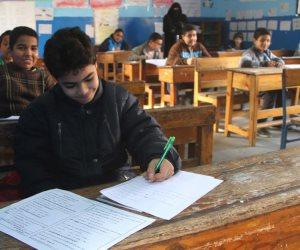 رئيس مدينة «نخل» بوسط سيناء يتفقد لجان الامتحانات