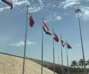 اليوم الكامل لزيارة الرئيس للبحرين.. مباحثات مع الملك حمد.. ترحيب رسمي وشعبي.. وهاشتاج «بنبحك ياسيسي»