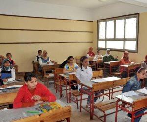 وكيل تعليم بورسعيد يتابع سير آخر امتحانات الدور الثاني للشهادة الإعدادية