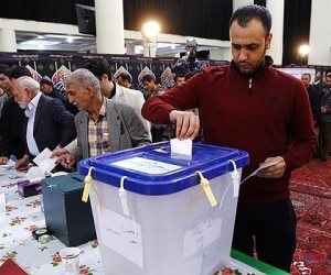 منظمة حزم: الأحوازيون أحرقوا صور مرشحي الرئاسة الايرانيين وفضحوا نظام الملالي