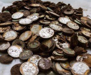 «سك العملة» تكشف حقيقة إصدار عملات معدنية لفئات 50 و100 جنيه