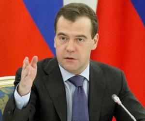 دميترى ميدفيديف يدلي بصوته في الانتخابات الرئاسية الروسية