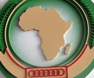عبد القادر مساهل يعقد جلسة مباحثات مع رئيس مفوضية الاتحاد الإفريقي