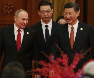 كواليس فلاديمير بوتين مع البيانو قبل اجتماعه بالرئيس الصيني (فيديو صور )