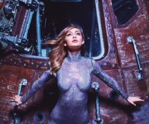 جيجي حديد تسافر إلى الفضاء وتودع سكان الأرض