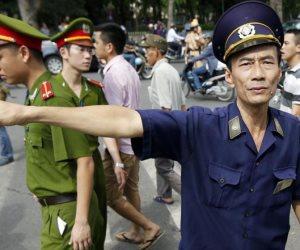 قنبلة أمريكية من بقايا قنابل الحرب تقتل قرويين في فيتنام