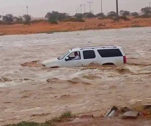 مصرع 5 أشخاص وفقدان آخر بسبب سيول اجتاحت مناطق مختلفة فى إيران